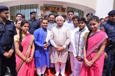 Musical Performance by TMS students before Honble CM of Haryana - April 10, 2017